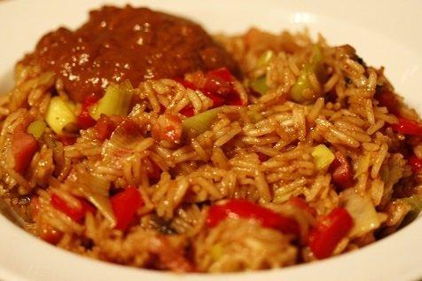 gebakken rijst met vis meet
