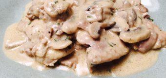 Kip in witte wijn saus gestoofd
