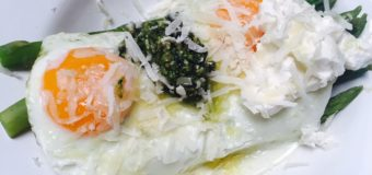 Groene asperge salade met ei