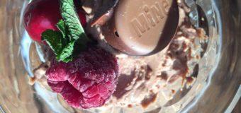 Chocolademousse met Hands off my chocolate Crispy Cookie Caramel Zeezout