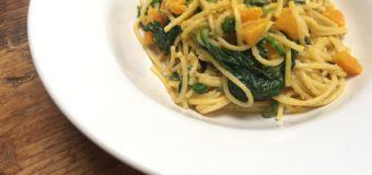 Spaghetti met pompoen en spinazie