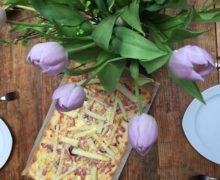 Flammkuchen met witte asperges en ham