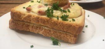 Croque monsieur de tosti met bechamel