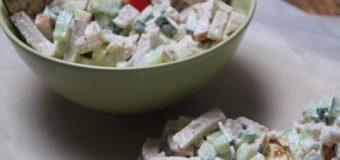 Frisse gerookte kip salade
